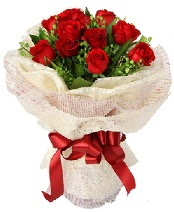 12 adet kırmızı gül buketi  Erzincan hediye çiçek yolla