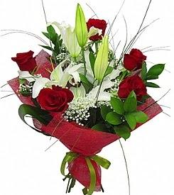 1 dal kazablanka 5 kırmızı gül buketi  Erzincan internetten çiçek siparişi