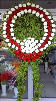 Cenaze çelenk çiçeği modeli  Erzincan hediye çiçek yolla
