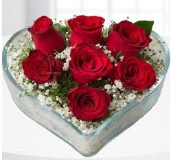 Kalp içerisinde 7 adet kırmızı gül  Erzincan internetten çiçek satışı