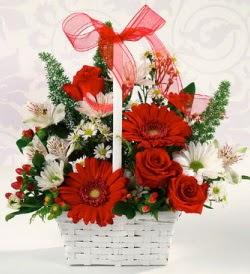 Karışık rengarenk mevsim çiçek sepeti  Erzincan çiçek gönderme sitemiz güvenlidir