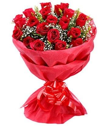 21 adet kırmızı gülden modern buket  Erzincan hediye sevgilime hediye çiçek