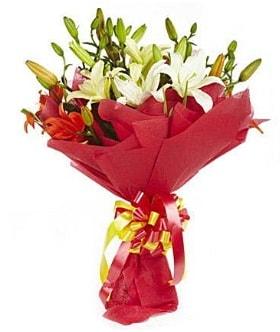 5 dal kazanlanka lilyum buketi  Erzincan 14 şubat sevgililer günü çiçek