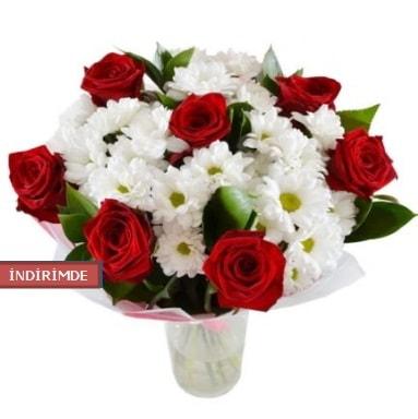 7 kırmızı gül ve 1 demet krizantem  Erzincan 14 şubat sevgililer günü çiçek